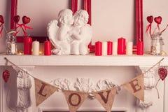 2 мраморных ангела в влюбленности Стоковые Фотографии RF