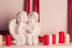 2 мраморных ангела в влюбленности Стоковое Изображение RF
