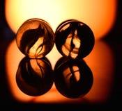 Мраморы с желтоватым темным фотоснимком предпосылки стоковая фотография