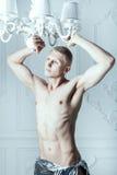 Мужские представления альбиноса Стоковые Фото