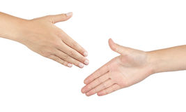 2 мужских руки около для того чтобы трясти руки Стоковое Фото