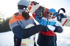 2 мужских snowboarders Стоковая Фотография RF