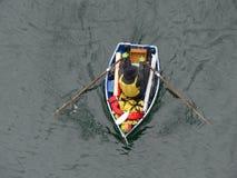 Мужское взгляд сверху весельной лодки Стоковая Фотография RF