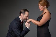 Мужское делая предложение к женщине Стоковое Изображение