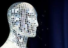 Мужской манекен предусматриванный с кусками зеркала стоковое изображение