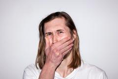 Мужчина Scared плача Плохая новость для человека Стоковое Изображение