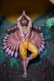 Музей пещеры Murudeshwar, Karnataka, Индия: 25,2018 -го август: Ravana помолило и поклонилось лорд Shiva для того чтобы достигнут стоковое изображение