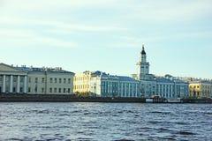 Музей Kunstkamera строя Санкт-Петербург - Россию май 2018 Стоковое фото RF