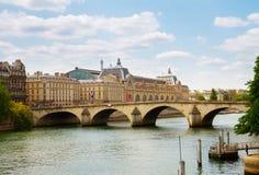 Музей Orsay и река Siene, Франция стоковое фото