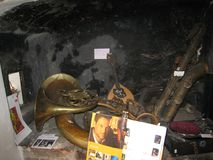 Музыкальные инструменты для продажи в Праге стоковое изображение rf