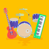 Музыкальные инструменты установили иллюстрацию вектора рок-группы барабанчиков гитары Стоковые Фотографии RF
