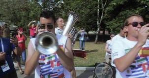 Музыканты перед kokoshnik спички сток-видео