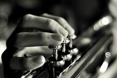 Музыкант играя trumpet стоковые изображения