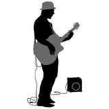 Музыкант силуэта играет гитару также вектор иллюстрации притяжки corel бесплатная иллюстрация