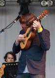 Музыкант с серым цветом Дэвида в реальном маштабе времени на фестивале Westport Стоковые Фотографии RF