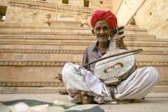 Музыкант Jaisalmer старый фольклорный Стоковые Фотографии RF