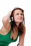 Музыка женщины красоты слушая Стоковая Фотография