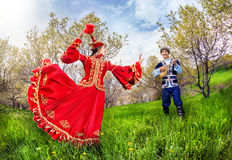 Музыка и танцы казаха Стоковые Фотографии RF