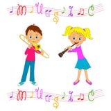 Музыкальные инструменты игры мальчика и девушки Стоковые Изображения RF