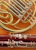 Музыкальные инструменты фагота и французского рожка стоковое фото rf