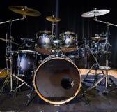 Музыкальный инструмент, набор барабанчика на этапе Стоковые Изображения