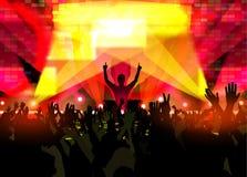 Музыкальный фестиваль с людьми танцев и накаляя светами иллюстрация вектора