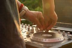 Музыка Dj смешивая внешняя Стоковые Фотографии RF