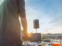 Музыка Dj смешивая внешняя Стоковая Фотография RF