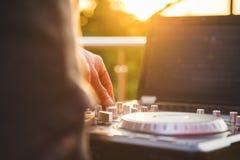 Музыка Dj смешивая внешняя Стоковое фото RF