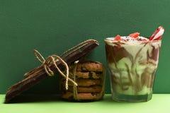 Мусс с печеньями шоколадного батончика и обломока Стоковые Изображения