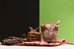 Мусс с печеньями шоколадного батончика и обломока Стоковое Изображение