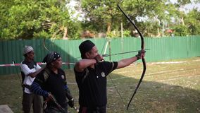 Мусульманский юговосточный азиатский традиционный archery видеоматериал