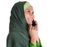 Мусульманская женщина с Smartphone III Стоковое Фото