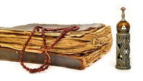 Мусульманский розарий на koran Стоковые Изображения RF