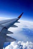 Муха над небом Стоковая Фотография