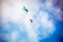 Муха 3 parachutist Стоковые Изображения RF