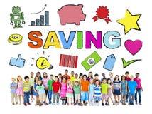 Мульти-этнические дети с концепцией сбережений Стоковая Фотография RF
