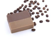 Мыло кофе при кофейные зерна изолированные на белой предпосылке Стоковые Изображения RF
