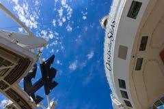 Мыс Канаверал, США - 29-ое апреля 2018: Амфитеатр театра Aqua на вкладыше круиза или оазисе корабля морей королевским Стоковое Фото