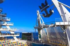 Мыс Канаверал, США - 29-ое апреля 2018: Амфитеатр театра Aqua на вкладыше круиза или оазисе корабля морей королевским Стоковое Изображение RF