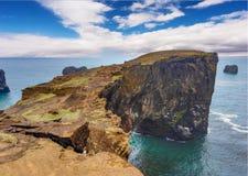 Мыс Dyrholaey, Исландия Стоковое Фото