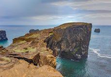 Мыс Dyrholaey, Исландия Стоковые Изображения