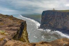 Мыс Dyrholaey, Исландия Стоковое Изображение