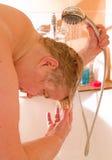 мытье волос Стоковое фото RF