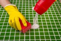 Мыть плитки в ванной комнате Стоковые Фотографии RF