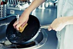 мыть тарелок Стоковые Фото