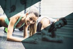 Мышечные пары делая тренировки стелюги стоковая фотография rf
