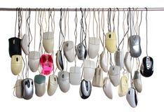 Мыши компьютера смертной казни через повешение изолированные на белой предпосылке Стоковая Фотография