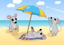 Мыши отдыхают на пляже также вектор иллюстрации притяжки corel Стоковое Изображение