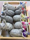 Мышь игрушки небольших детей серого цвета стоковые фотографии rf